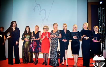 Business Woman Roku 2016